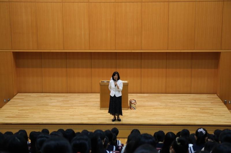 《中学3年》 朴慶南さん講演会