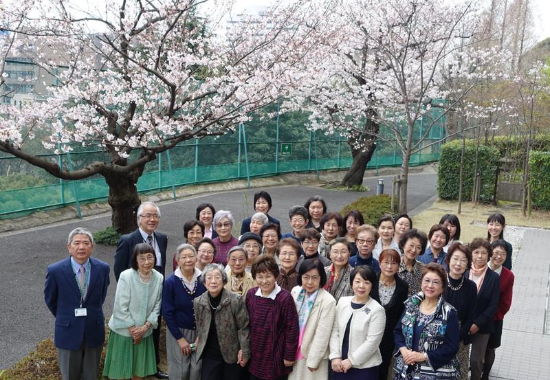 《花と実の会》 2015(平成27)年度 花と実の会 幹事総会 桜を愛でる会 101年へ、みんなでつくる第一歩