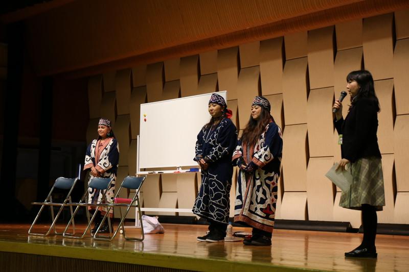 《中学2年》 アイヌ文化体験会がありました