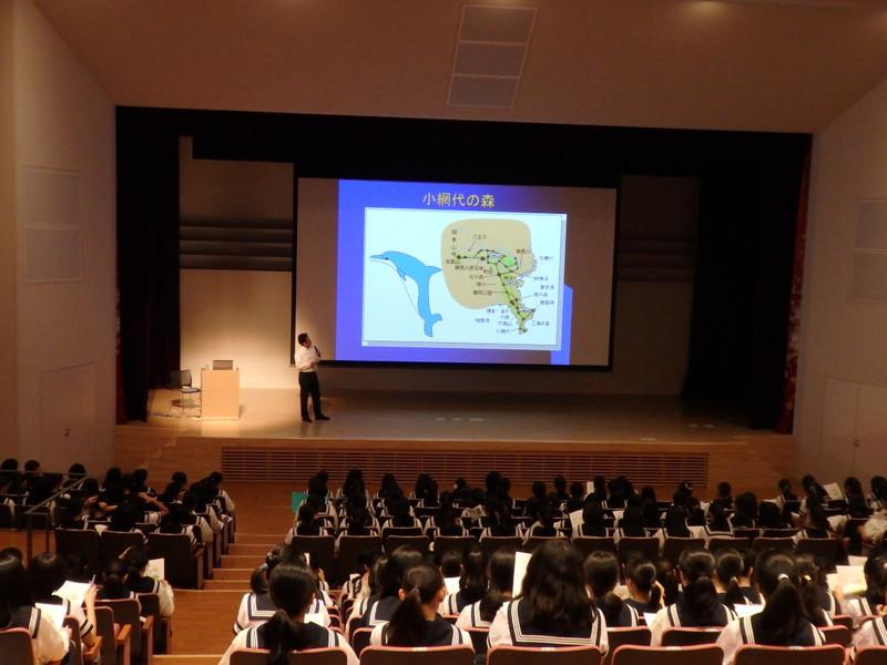 《中学2年》 矢部和弘先生の講演会を聞きました