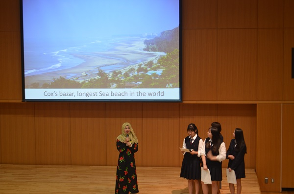 《高校2年》 Global Village探究講演会がありました