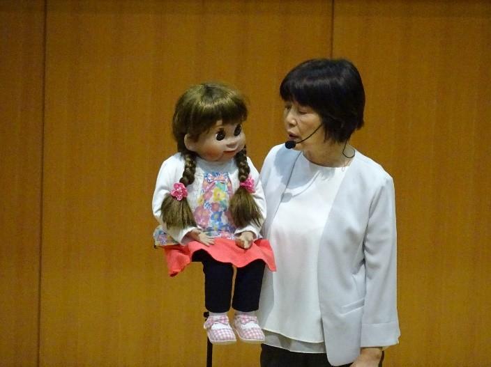 《高校1年》  FW沖縄 柳川たづ江さん 講演