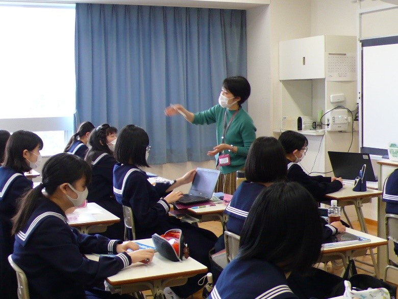 中2英語  リスニングとスピーキングの力を鍛えています