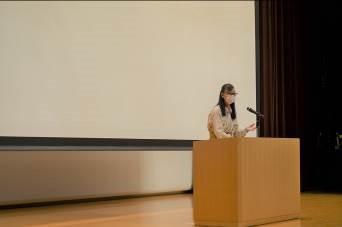 中1学年  小森 美登里さんの講演会を聞きました