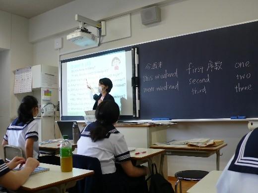 中2英語  たくさんの音読練習に取り組んでいます