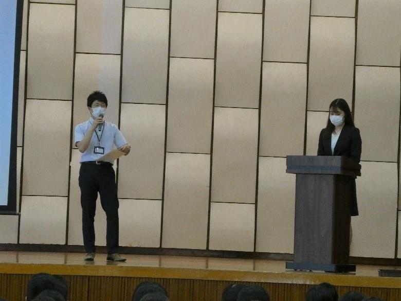 高3学年  卒業生による進路講演会がありました